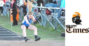 Sylviann Momont auburndale apaches girls high school track and field triple jump marawood south conference meet
